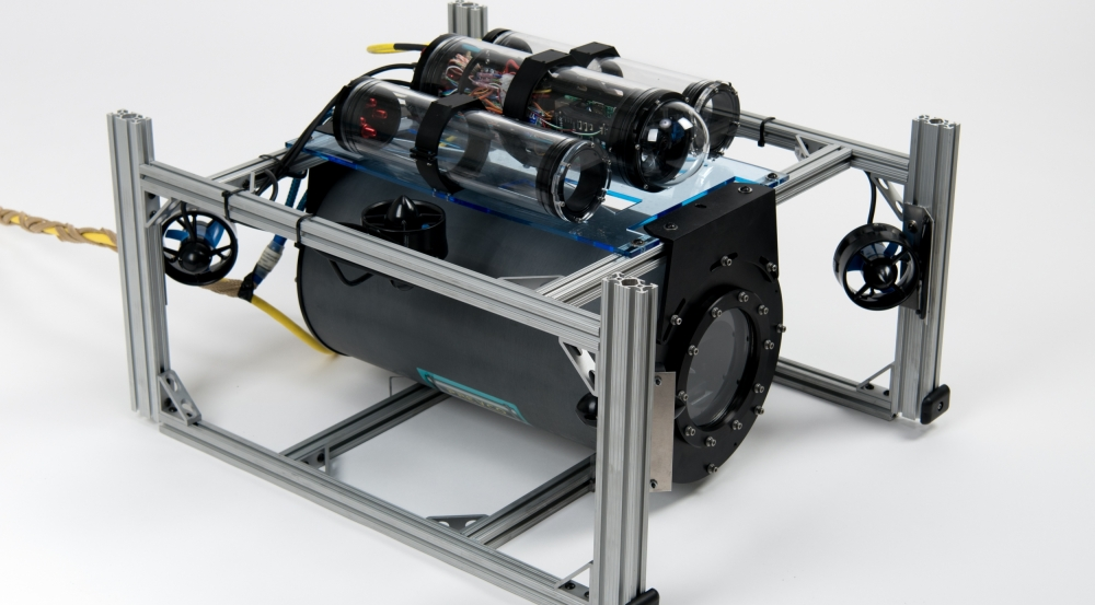 The Laboratory's novel optical communication system was integrated on a robotic undersea vehicle.